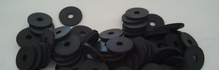 Ploščata tesnila iz gume ( gumi podložka za pod vijak)